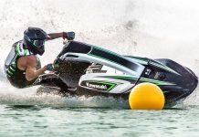 2017-Kawasaki-Jet-Ski-SX-R-Action-08